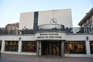 El PSOE de Pozuelo reclama la apertura de bibliotecas y polideportivos municipales.