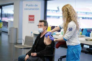 La Comunidad de Madrid extiende la vacunación frente al COVID-19 con dosis de Pfizer y Janssen a población general de 68 a 69 años