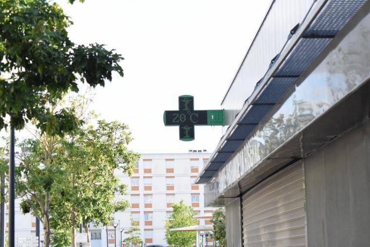 La nueva Ley de Farmacia de la Comunidad de Madrid mejorará la cercanía con el paciente y humanizará la atención profesional