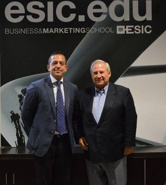 Izquierda: Felipe Llano, director adjunto a la Dirección General de ESIC. Derecha: Pedro Canalejo, presidente de ASICMA.