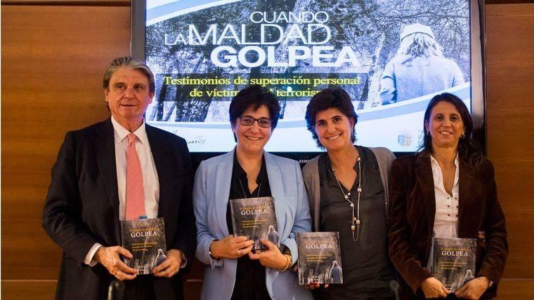 María San Gil visita Pozuelo para recordar a las víctimas del terrorismo