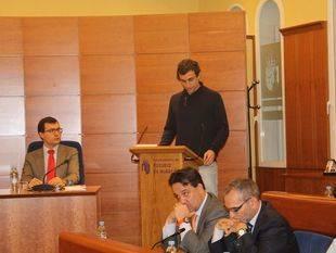 Unai Sanz, de Somos Pozuelo, toma posesión de su cargo