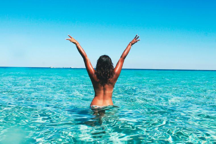 ¿Vas a hacer topless este verano? Necesitas estas pastillas ya