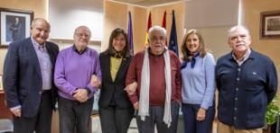 Más de una treintena de voluntarios colaboran en las actividades de los centros municipales de mayores