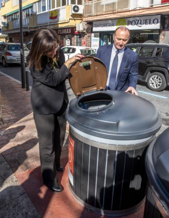 Gran acogida de los contenedores marrones para la recogida de residuos orgánicos en el Barrio de las Flores