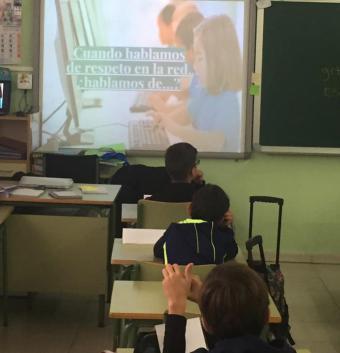 Cerca de 115 alumnos de Secundaria se forman para sensibilizar a los de Primaria sobre el uso responsable de las nuevas tecnología