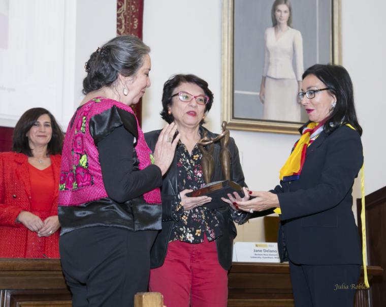 """La investigadora Marcela Lagarde recibe el Premio Internacional """"Mujeres Avenir 2019"""""""