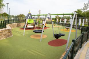 Pozuelo de Alarcón estrena un nuevo parque con más de 3.500 m2, una gran área infantil y un arroyo artificial