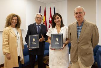 La alcaldesa, Susana Pérez Quislant, ha renovado el convenio de colaboración con la Asociación de Familiares de Enfermos de Alzheimer