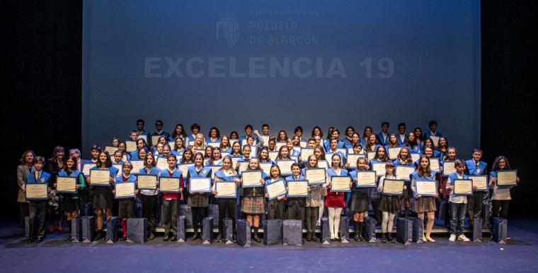 El Ayuntamiento reconoce la Excelencia y Mérito académico a los mejores estudiantes de Primaria y de Secundaria