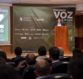 Pérez Quislant destaca que la incorporación de las Tecnologías de la Información en la gestión del riego de parques y jardines ha permitido optimizar el servicio y ahorrar más de un 30% en agua