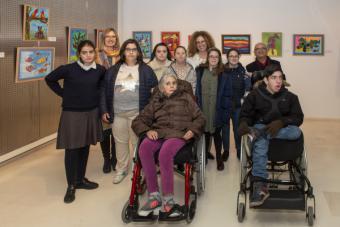 El Día Internacional de las Personas con Discapacidad se conmemora con una exposición de los alumnos de pintura del Espacio para el Ocio Pozuelo