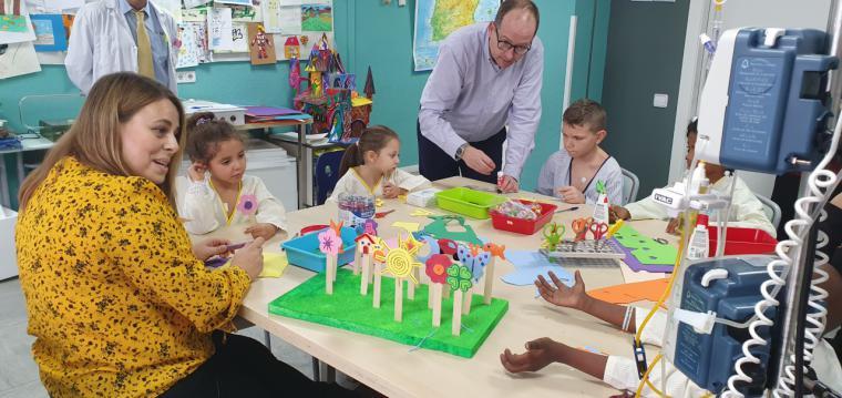 El 12 de Octubre participa en un proyecto que crea vínculos solidarios entre niños ingresados en varios hospitales de España