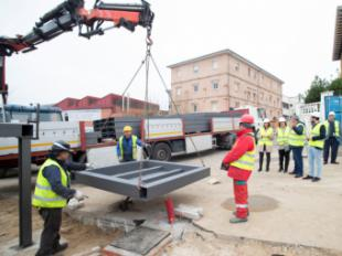Avanzan las obras de reparación de la pasarela del Paseo de la Concepción que mejora la movilidad peatonal en esta zona de La Estación