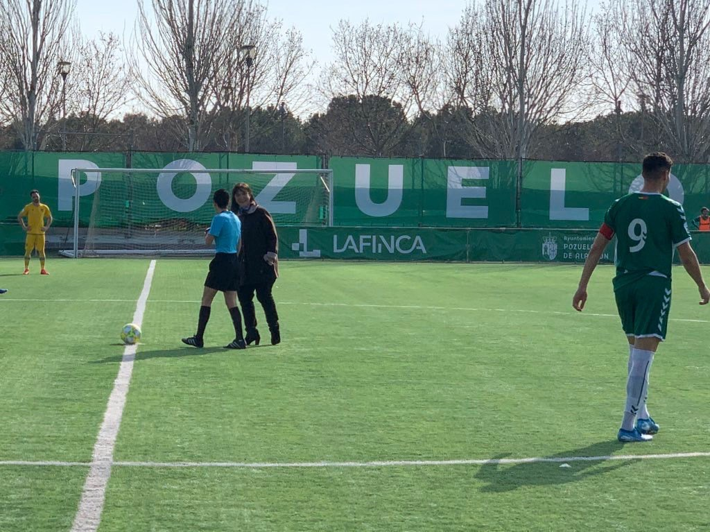 El Ayuntamiento se suma al gesto solidario del Club de Fútbol Pozuelo y la Fundación Iker Casillas en apoyo a los niños que padecen cáncer