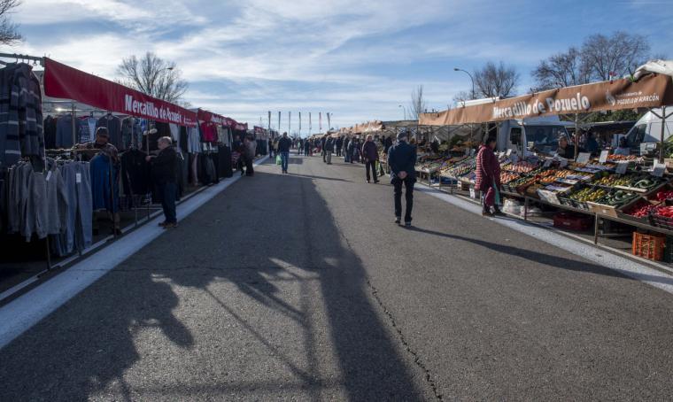 El mercadillo municipal de Pozuelo de Alarcón reabre hoy sábado con menos puestos y medidas especiales