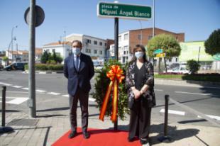 El Ayuntamiento recuerda a Miguel Ángel Blanco en el XXIII aniversario de su asesinato