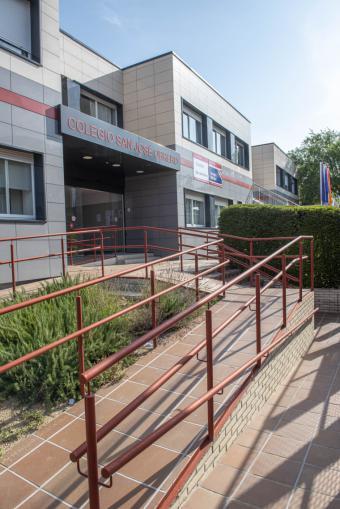 El Ayuntamiento destina este verano más de 73.000 euros a obras y mejoras en colegios y espacios educativos de la ciudad