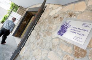 Las plazas y listas de espera para las actividades y talleres de los centros municipales de mayores se han renovado automáticamente