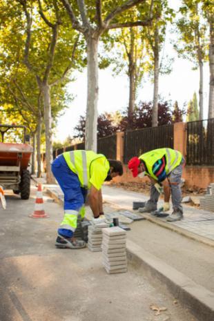 El Ayuntamiento invierte cerca de un millón y medio de euros en la mejora del alumbrado público en varias zonas de la ciudad