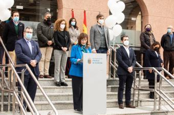 El Ayuntamiento de Pozuelo de Alarcón guarda un minuto de silencio en señal de rechazo a la violencia contra la mujer