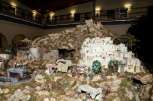 Ya se puede visitar el Gran Belén instalado en el Ayuntamiento con más de 450 figuras y 60 metros cuadrados