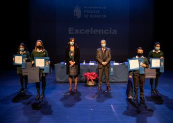 El Ayuntamiento premia la excelencia y el mérito académico de los alumnos de Primaria y Secundaria