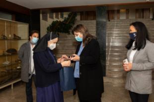Pérez Quislant entrega medidores de CO2 a los colegios públicos y concertados de la ciudad