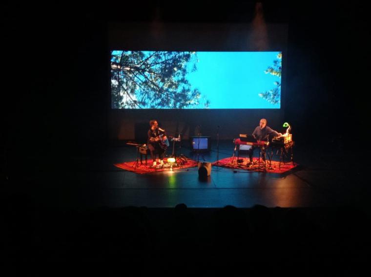 Iván Ferreiro entusiasmó al público del MIRA Teatro de Pozuelo de Alarcón en su actuación de ayer