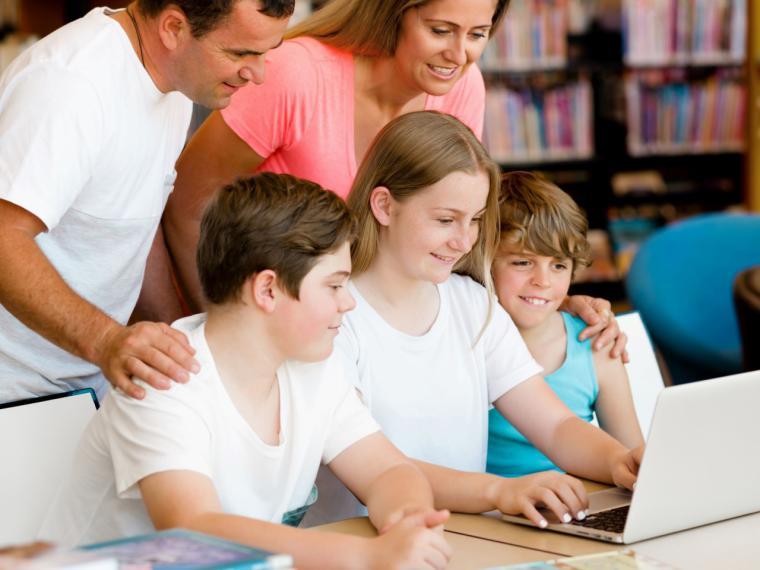 El Gobierno municipal organiza un ciclo de conferencias para facilitar a las familias herramientas y pautas para la educación de sus hijos