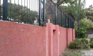 El muro ilegal de Pozuelo tiene los días contados