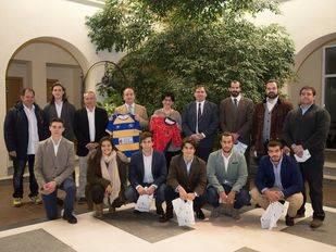 La alcaldesa recibe a jugadores de Hockey y Rugby de los clubes de Pozuelo