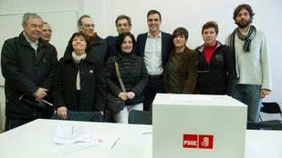 Pedro Sánchez vota su consulta en Pozuelo