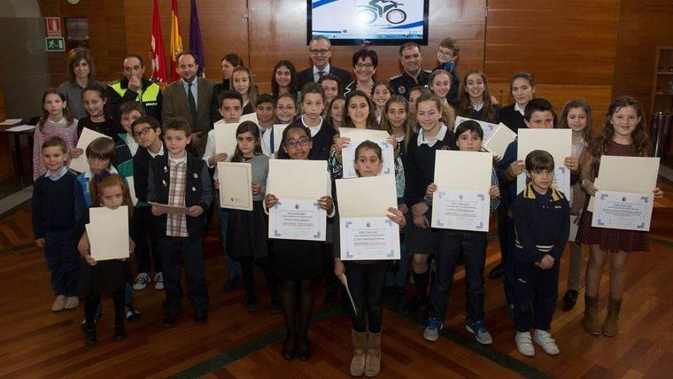 Pozuelo premia la labor escolar en materia de seguridad y educación vial