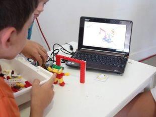 Charlas y talleres para celebrar el Día de Internet en Pozuelo