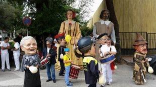 Los Gigantes y Cabezudos de Pozuelo pasean por el Reino de Castilla