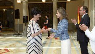 La Reina Letizia entrega el premio que lleva su nombre a Susana Pérez Quislant