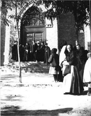 Iglesia de la Virgen del Carmen. Primeras décadas del siglo XX. Foto de la familia Ulecia.