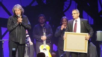 José Mercé agradeciendo el 'Carburo Minero'