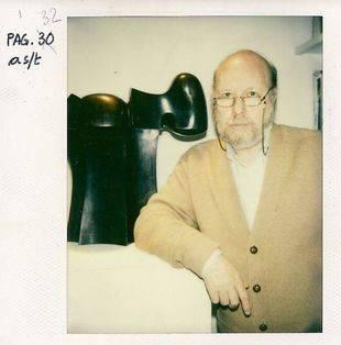 José Luis Sánchez en su estudio. Fotografía de Jesús Gironés publicada en su sección 'Polaroid' de La Voz de Pozuelo.