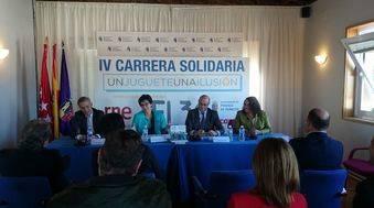 La alcaldesa de Pozuelo en la presentación de la Carrera Solidaria