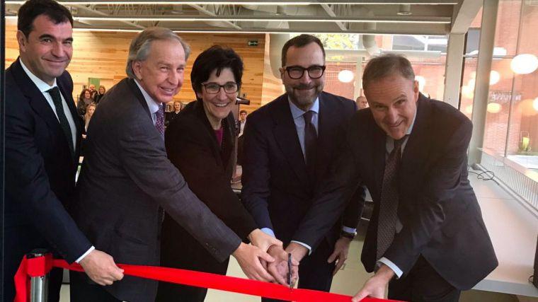 Susana Pérez Quislant inaugura las nuevas instalaciones del Colegio Americano
