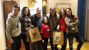 Camela visita el Mercadillo Solidario de la Fundación Blas Méndez Ponce en su recta final