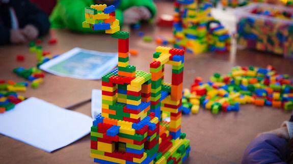 Zona de obras en Pozuelo... ¡Construye con Lego!