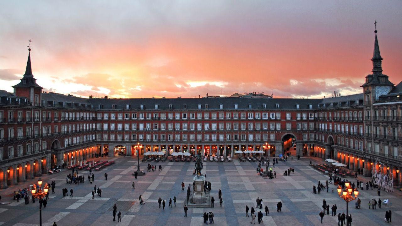 Resultado de imagen de plaza mayor de madrid