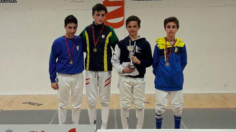 Alberto Luque sigue dando alegrías al Club de Esgrima de Pozuelo
