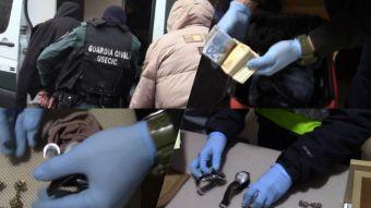 Desmantelada una célula de ciudadanos albaneses especializada en robos en viviendas de alto nivel adquisitivo