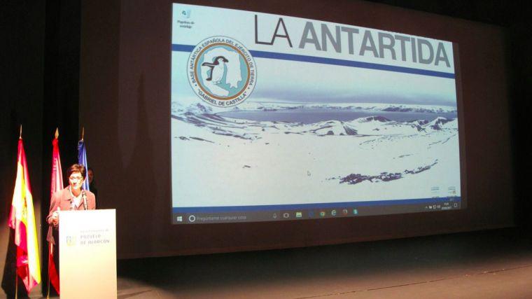 """Así ha sido la videoconferencia desde Pozuelo con la Base Antártica Española """"Gabriel de Castilla"""""""