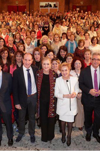 Cifuentes ratifica su respaldo a la igualdad real y efectiva entre mujeres y hombres