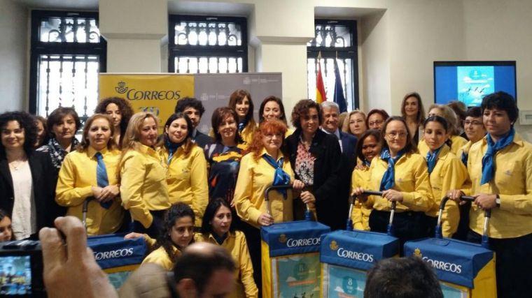 Las trabajadoras de Correos rinden homenaje a la mujer